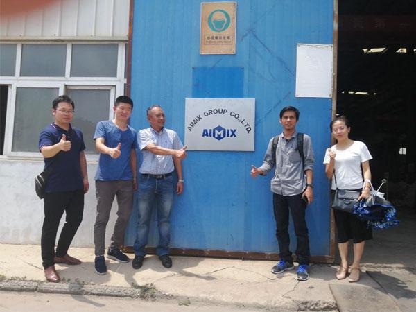 Клиенты посетили завод стройтехника