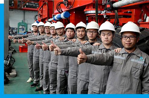 Команда инженеров для строительного оборудования