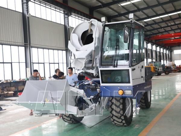 Самоходный бетоносмеситель с самозагрузкой китай цена